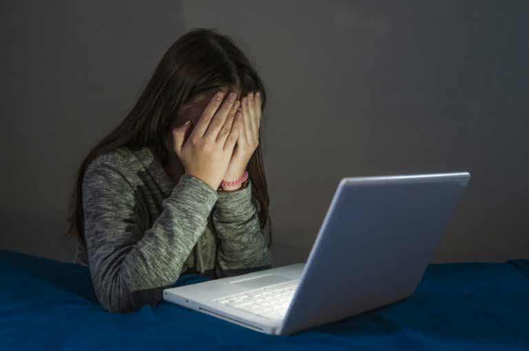 Los delitos cibernéticos en la adolescencia
