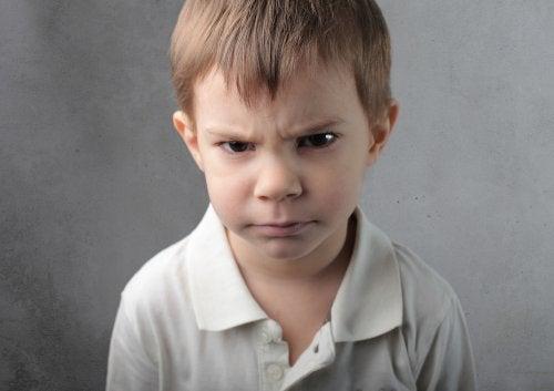 Niños que se enfadan por cualquier cosa