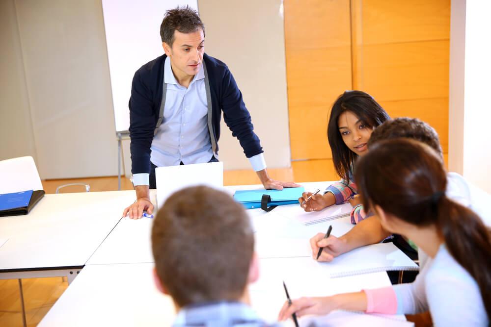 ¿Qué implica el proceso de enseñanza-aprendizaje?