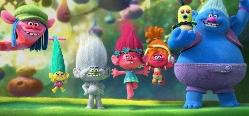 Protagonistas de la película Trolls, basada en juguetes.