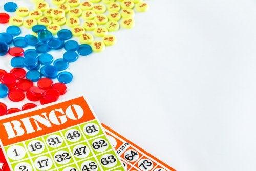 El bingo es uno de los juegos de mesa que puedes crear tú mismo.