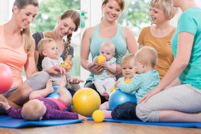 Tribu y maternidad: la necesidad de un grupo para una crianza saludable