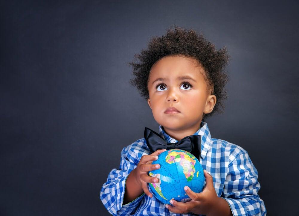 ¿Cómo adquieren nuevos conocimientos los niños?