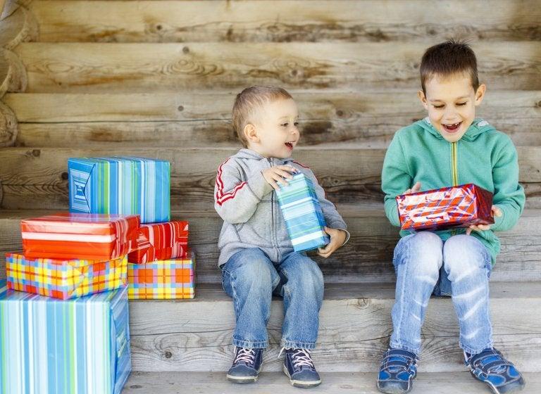 Regalar juguetes solidarios y enseñar valores a los niños