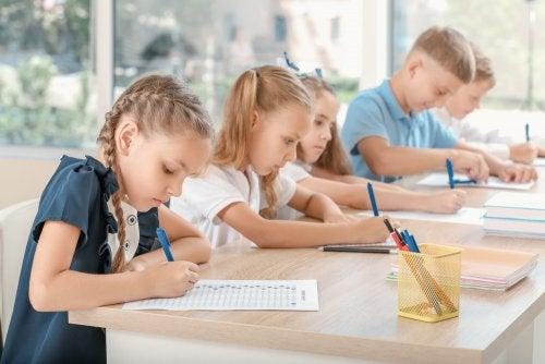 Niños realizando el test de los 3 minutos.