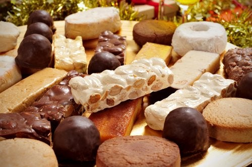 Turrón y polvorones, los dulces navideños en España por excelencia.