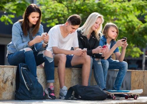 Consejos para enseñar a los hijos a no idolatrar