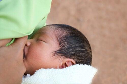 Contenido de enzimas de la leche materna