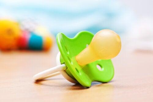 Uso del chupete: beneficios y ciertas dudas
