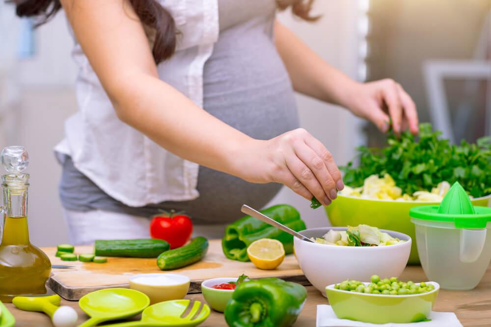 Normas básicas de seguridad alimentaria para evitar las toxiinfecciones durante el embarazo