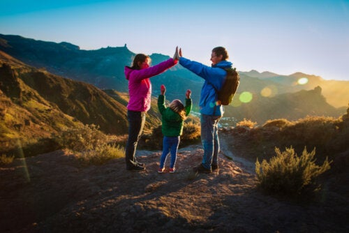 6 cosas que no pueden faltar en tu mochila para una excursión en familia