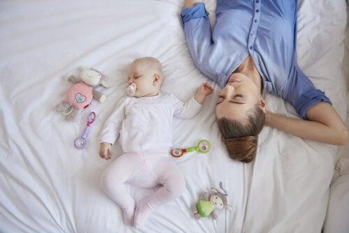 El sueño de la madre tras el nacimiento del bebé