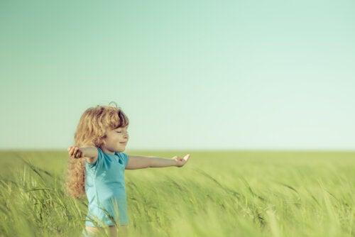 Si quiero criar a un niño amable, tengo que ser un padre amable