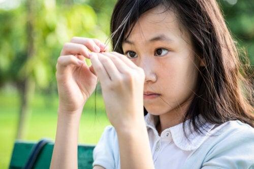 Tricotilomanía en los niños: ¿qué es y por qué se produce?