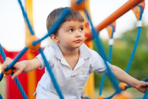 ¿Beneficia el riesgo en un parque infantil?