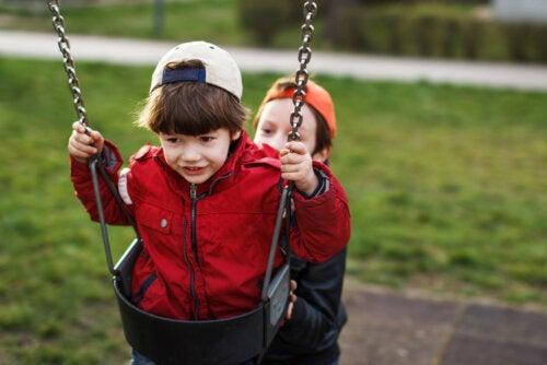 Cómo enseñar a los niños a valorar a los demás