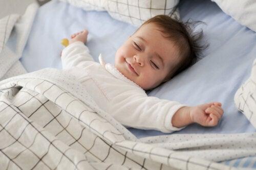 Entiende y supera la regresión del sueño de tu bebé