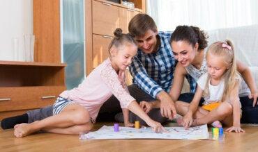 6 juegos familiares usando solo papel y boli