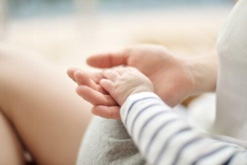 Cómo alimentar el vínculo de apego en la infancia