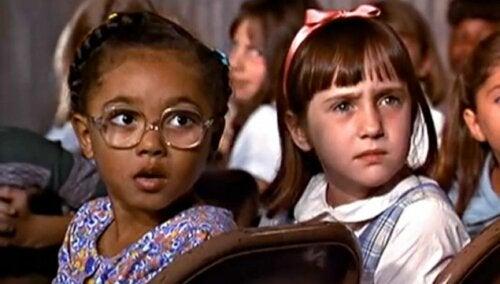 Matilda es una de la películas de Netflix para ver en familia más entretenidas.