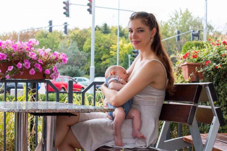 Normalizar la lactancia como un derecho de madres e hijos