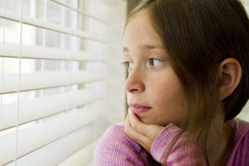 Las 4 crisis madurativas que pasan los niños y agobian a los padres