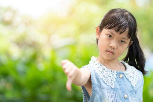 Esta niña sabe que el mal genio no es sinónimo de carácter.