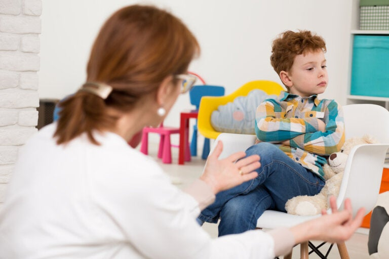 La crisis de la adolescencia infantil en niños de 6 años