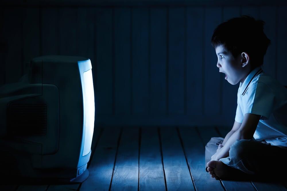 Cómo crear buenos hábitos televisivos en los hijos