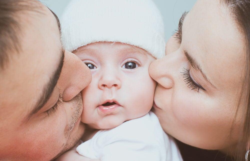 El aumento de los niveles de oxitocina en madres y en padres