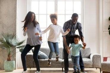 Niños, energía y diversión: ejercicios y bailes