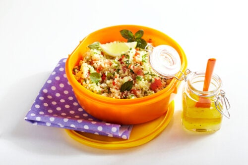 Tupper saludable de cous cous.
