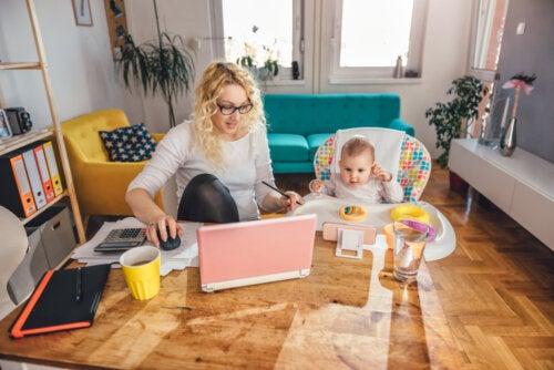 El reto de cuidar de los niños y trabajar desde casa