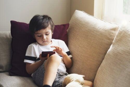Cómo tener tu teléfono a prueba de niños