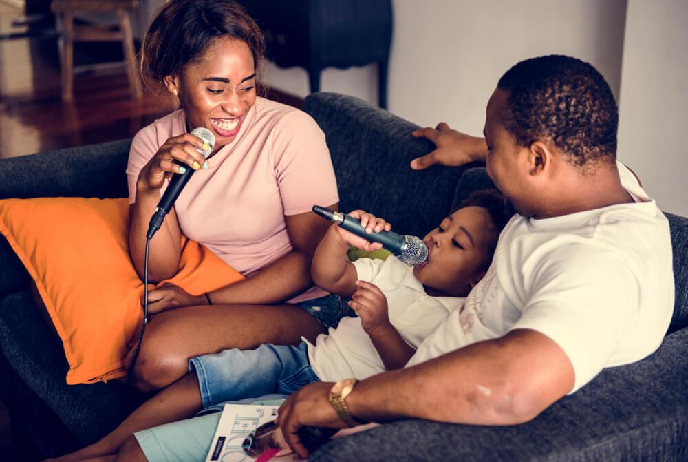 Adiós a las pantallas: tiempo de calidad en familia