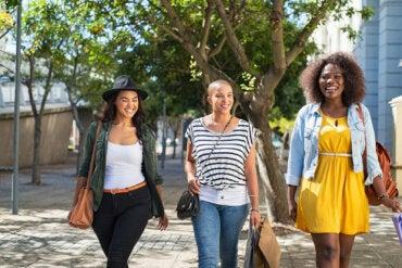 5 tipos de amigas que toda madre necesita