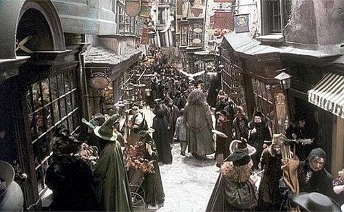 Callejón Diagon de Harry Potter, uno de los lugares que se visitan en el tour.