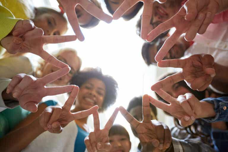Hábitos Montessori poderosos para criar a niños pacíficos