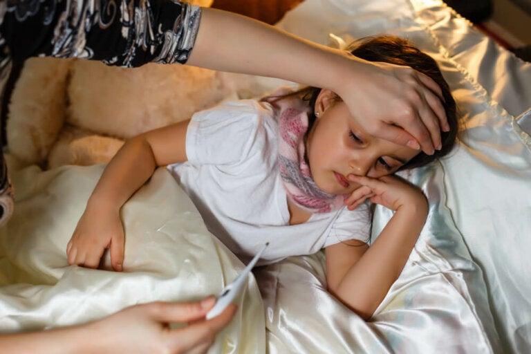 Cómo distinguir las infecciones bacterianas de las virales en los niños