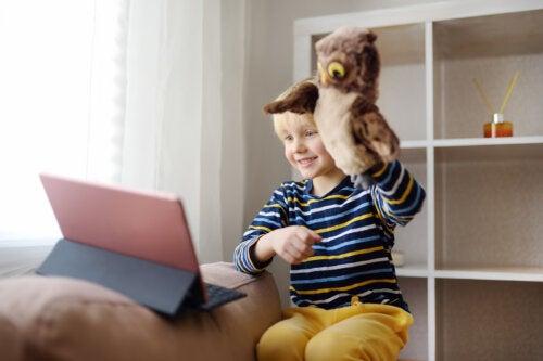 ¿Cómo explicar a los hijos el distanciamiento social?