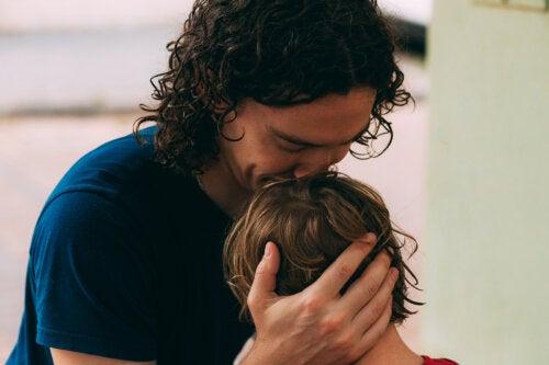 Cuando llores, te abrazaré y consolaré siempre que pueda