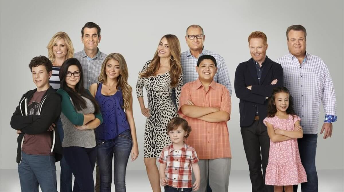 Protagonistas de Modern Family, una de las series que visibiliza la diversidad familiar.