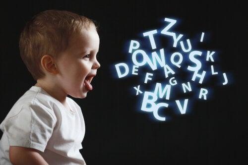 ¿Qué entiende un niño de tres años cuando le hablamos?