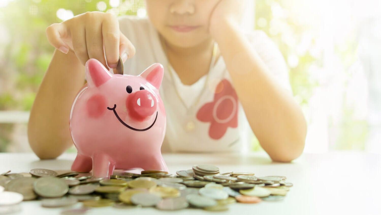 Cómo enseñar a ahorrar a los niños