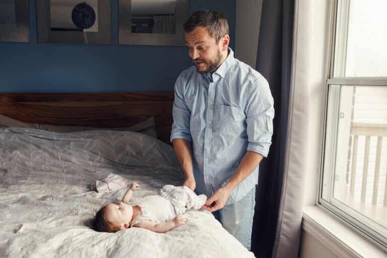 Un padre no es niñera ni ayudante, ¡es un padre!