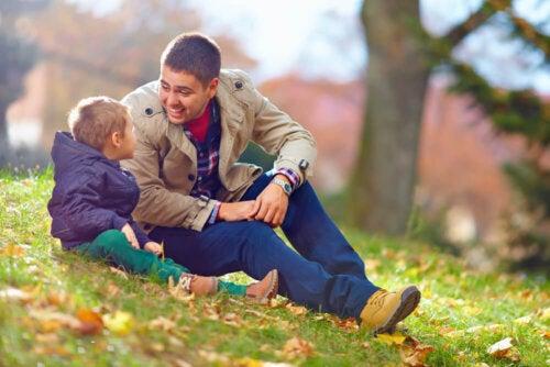 ¿Cómo actuar cuando el niño rechaza a uno de sus padres?
