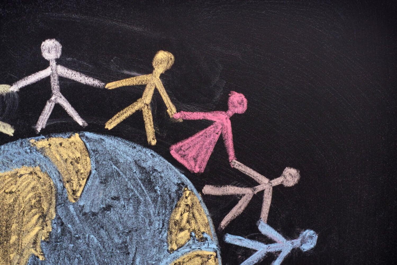 Dibujo en tiza para mostrar la diversidad y los derechos humanos.