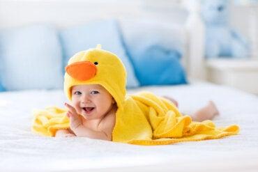 Accesorios de baño para bebés que te harán la vida más fácil
