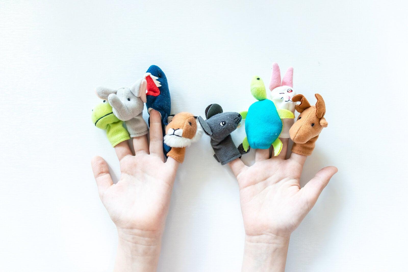 Marionetas, una de las mejores actividades socioemocionales para niños.