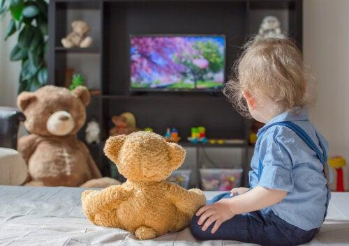 9 cosas que haces siendo madre o padre y dijiste que no harías